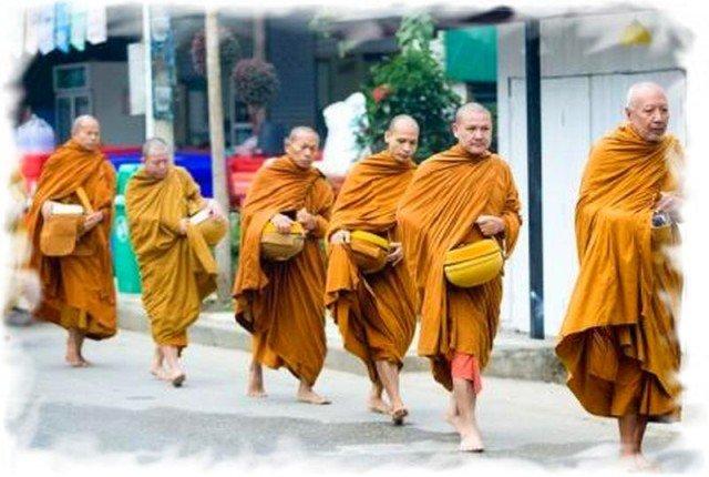 Правила поведения монахи в Таиланде