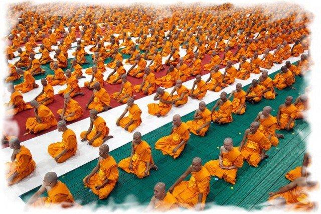 Буддийские  монахи Таиланде 3