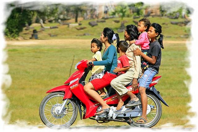 Дорожное движение в Таиланде 2