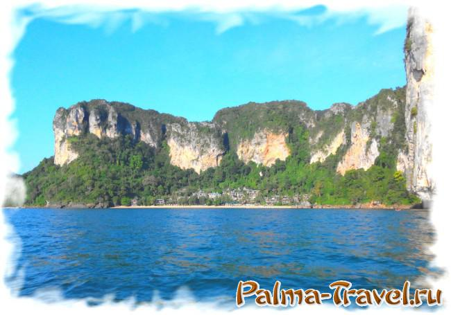 Pai Plong Beach (пляж отеля Центара). Вид с моря.