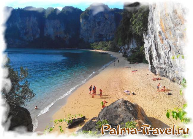 Пляж Тонсай (Рейли). Вид на южную часть пляжа со скалы