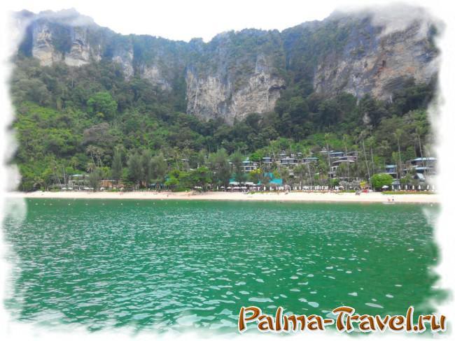 Пляж отеля Centara - Pai Plong beach. Вид с пирса