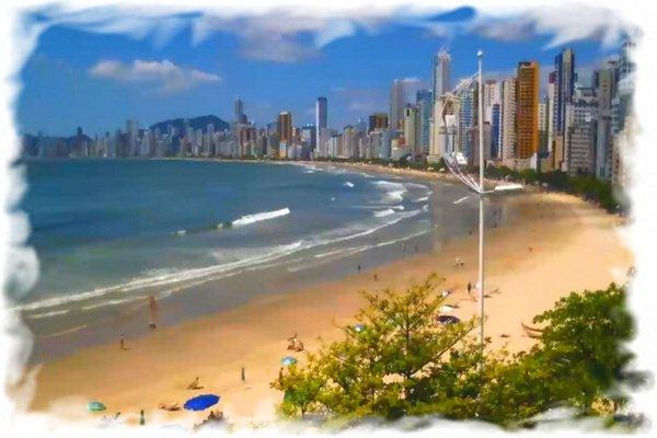 Веб камера Бразилии - набережная Балнеариу-Камбориу