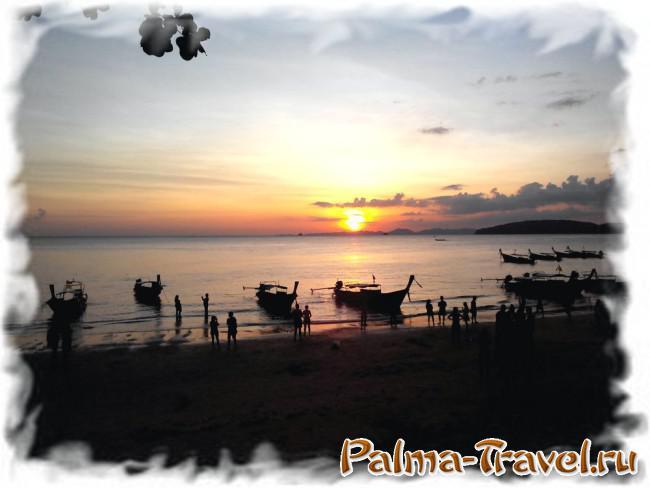 Закат солнца на пляже Ао Нанг (в центральной части)