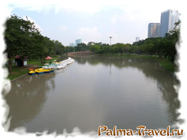 Place rent boats and catamarans in Chatuchak Park