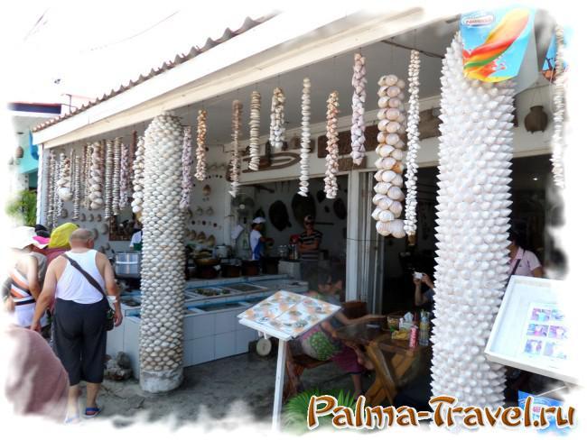 Пляж Tawaen Beach -  пляжный Seafood  ресторан