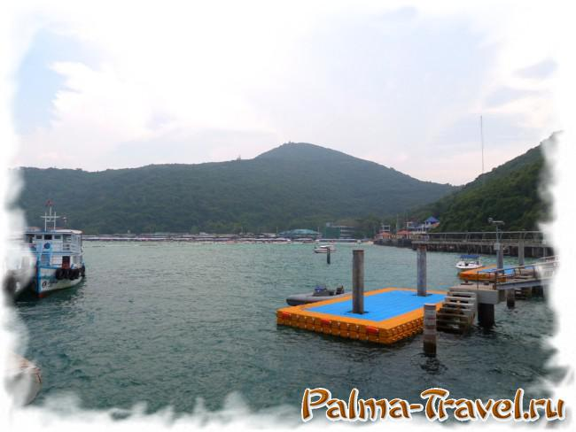 Tawaen Beach - view from the ferry pier
