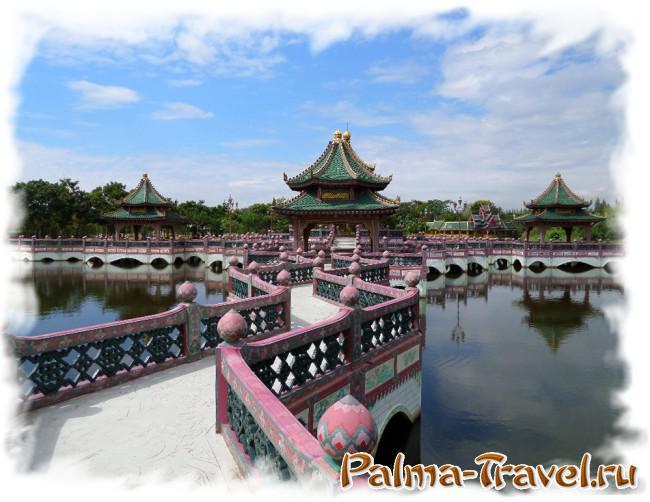 Великолепные храмы на воде - настоящее украшение парка Древний Сиам (Ancient Siam)