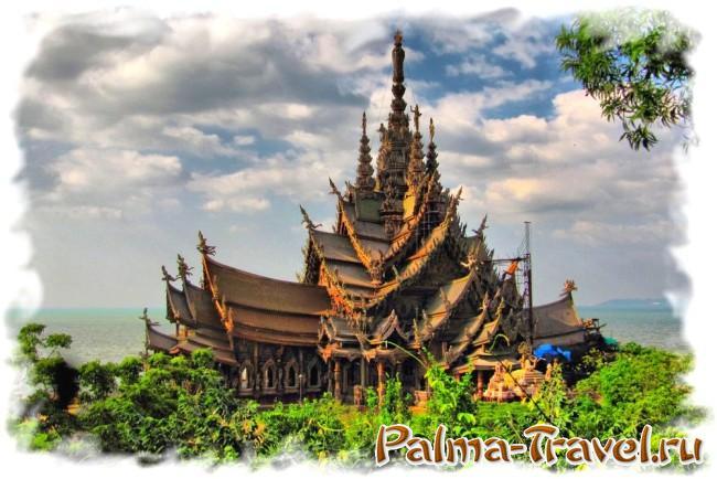 Храм истины в Паттайе - одна из самых красивых построек в Таиланде
