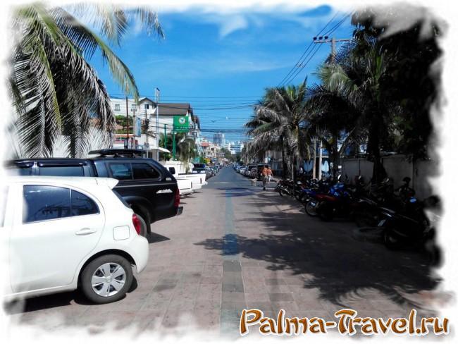 Дорога от пляжа Донгтан к улице Пратамнак