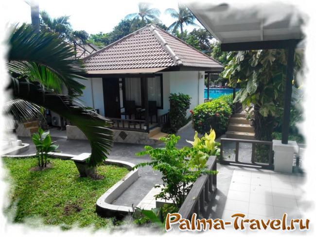Chaweng Cove beach Resort  - вид на бассейн из номера