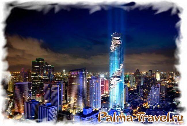 MahaNakhon - самый высокий небоскреб в Таиланде. Ночное фото.