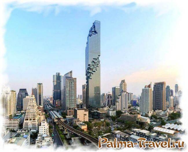 MahaNakhon - самый высокий небоскреб в Таиланде. Фото днем.